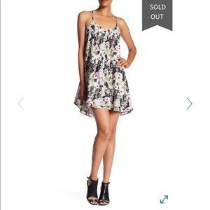 L / Sanctuary floral pleat dress NWT